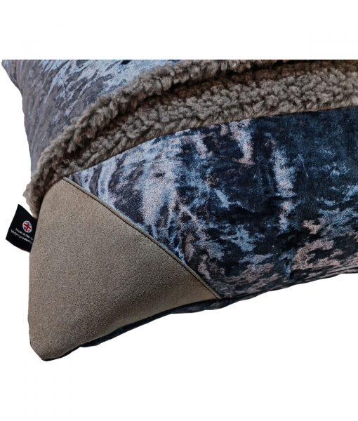 Snuggle Bed Blue Velvet